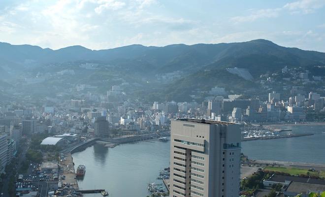 マスクを外して熱海の街に同化する為の大事な工程。それが温泉なのかもしれません